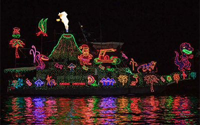 The 2018 Newport Beach Christmas Boat Parade Cruise And The Holiday Lights Cruise Are The Premier Christmas Events For Southern California